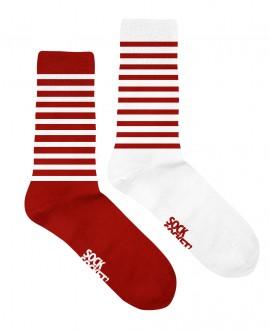 Chaussettes mixtes et dépareillées motif marinière rouge et blanche